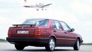 Lancia Thema 8.32 arrière