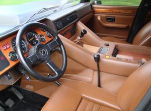 Lamborghini LM002 interieur