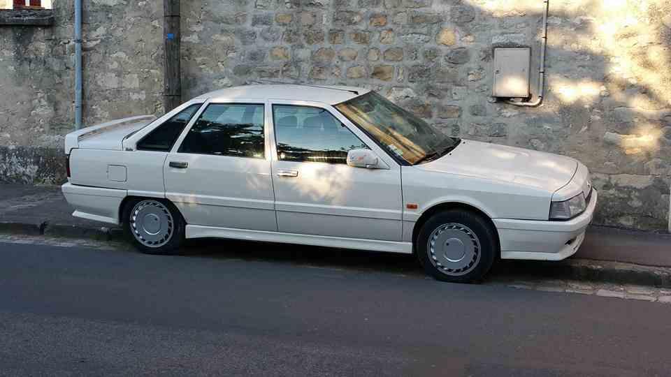 R21 Turbo blanche