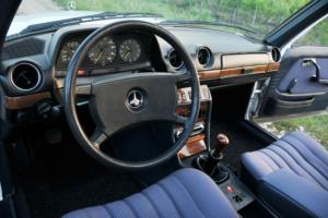 Intérieur Mercedes 230 E