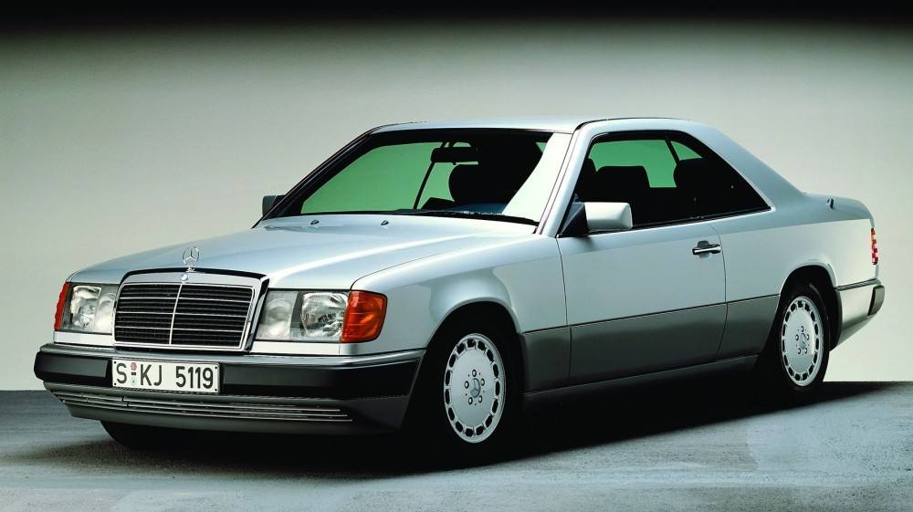 mercedes 300 ce un coup youngtimer bcbg voitures youngtimers. Black Bedroom Furniture Sets. Home Design Ideas