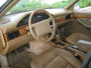 Intérieur de l'Audi V8