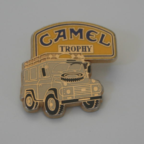 Pin's Camel Trophy Land Rover