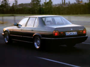 BMW 735i youngtimer