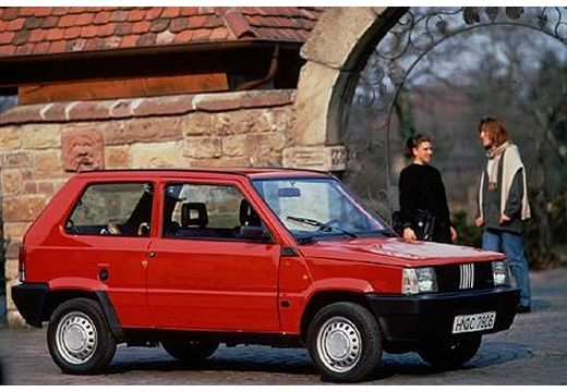 fiat panda 750 fire une charmante citadine voitures youngtimers. Black Bedroom Furniture Sets. Home Design Ideas