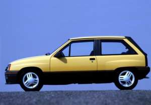 Opel Corsa GT 1300 voiture youngtimer