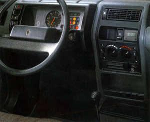 Intérieur de la Renault 5 Lauréate GTL