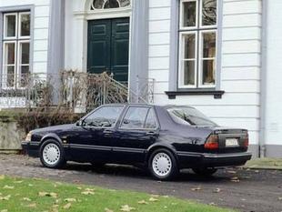 Saab 9000 i