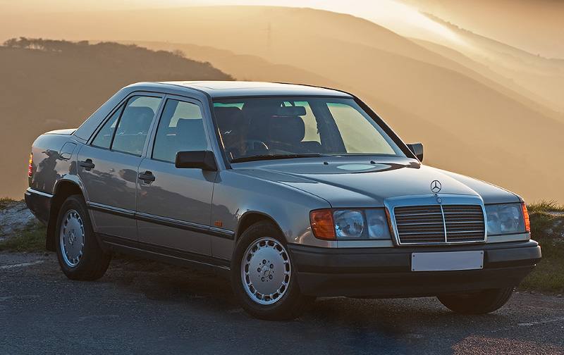 mercedes 230 e w124 voitures youngtimers. Black Bedroom Furniture Sets. Home Design Ideas