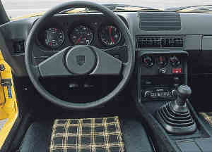 Intérieur de la Porsche 924