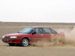 Renault 21 TXI QUADRA voitures youngtimers