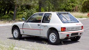 Peugeot 205 Turbo 16 blanc nacré