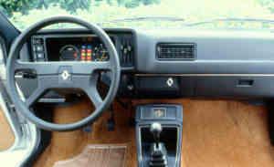 Intérieur de la Renault 14 GTL