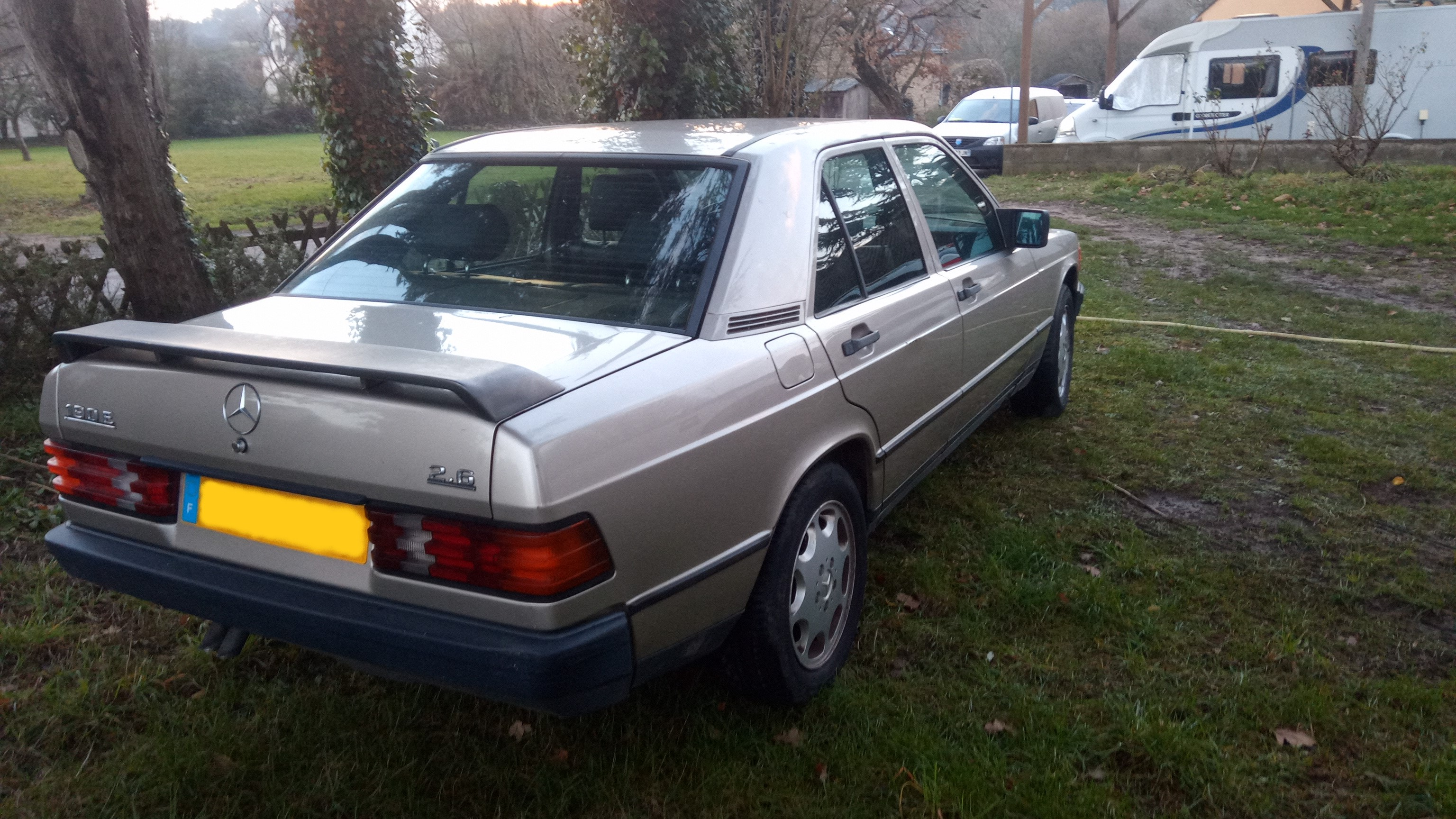 Mercedes 190 e 2.6 essence 6 cylindres 1988