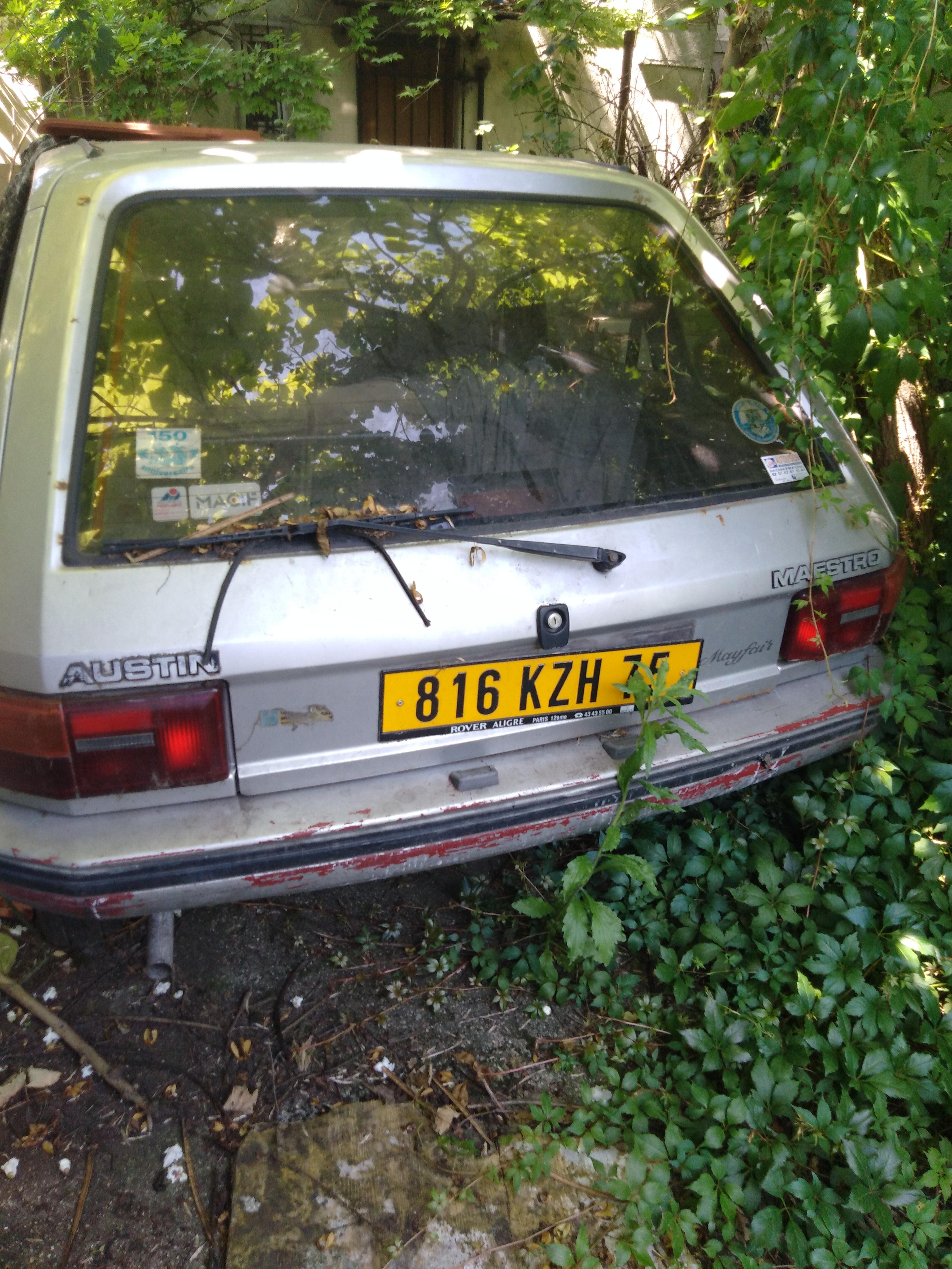 vend Austin Rover 1986 en pièces détachées prix à débattre