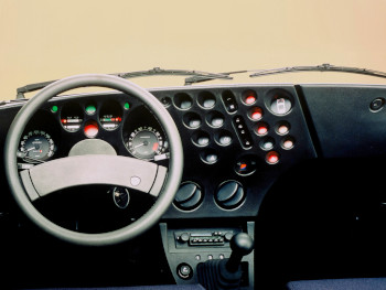 Tableau de bord de la Lancia Trevi VX