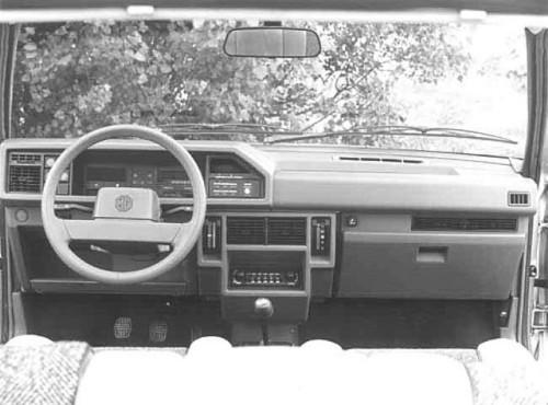 intérieur MG MAESTRO 1600